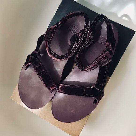 2b71afc5a5c Teva Shoes